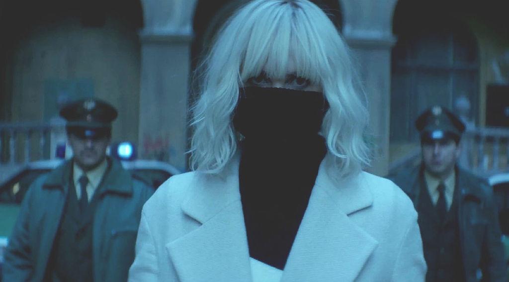 Взрывная блондинка (Atomic Blonde)